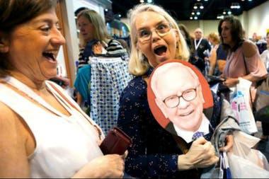 Buffett es el tercer hombre más rico del mundo, según la revista Forbes