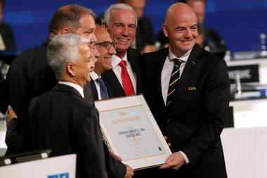 La FIFA se inclinó por un Mundial tripartito