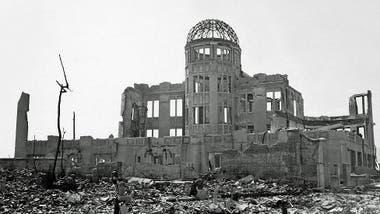Se calcula que la bomba que cayó en Hiroshima mató a unas 80.000 personas.