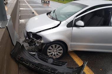El accidente ocurrió a la altura de Villa Elisa y complica la circulación en la zona
