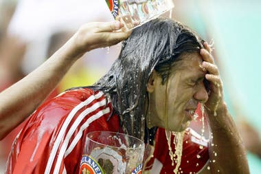 Un festejo con cerveza, tras ganar la Bundesliga con el Bayern