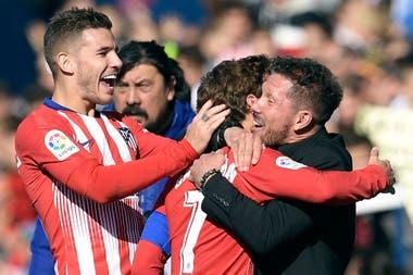 El abrazo de Simeone a Griezmann y la felicidad de Lucas Hernández, tras liquidar el partido