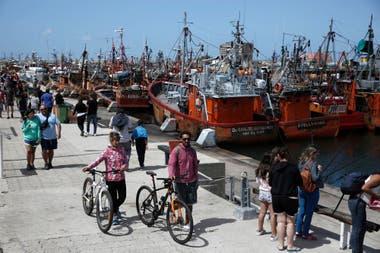 La banquina del Puerto de Mar del Plata, paseo ideal para los días frescos