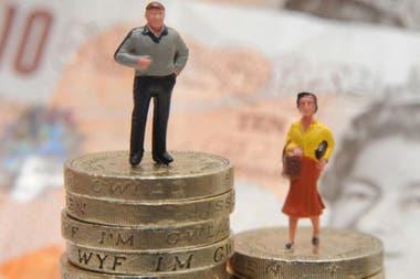 En promedio, los hombres siguen ganando más que las mujeres