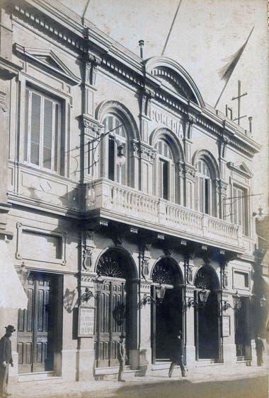 Teatro De la Comedia: fue demolido con la construcción de la Av. 9 de Julio.