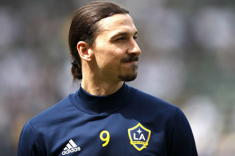 El representante de Zlatan Ibrahimovic negó haberlo ofrecido a Boca