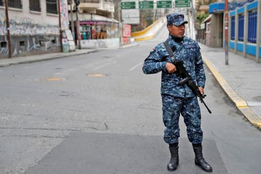 Renuncia de Evo Morales: Bolivia amaneció acéfala y militarizada