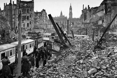Los bombardeos destruyeron el centro de la ciudad de Dresde