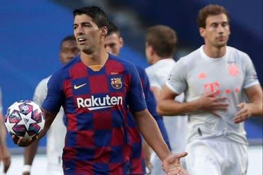 Suárez lleva seis años en el club. Aquí, un gesto inequívoco durante la debacle ante Bayern