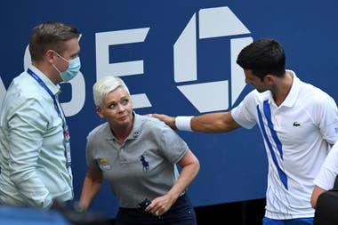 Novak Djokovic contó que pudo hablar con la juez de línea a quien agredió de manera accidental