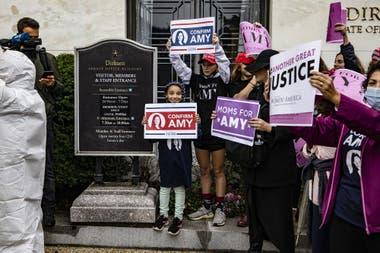 Manifestantes a favor de la jueza Amy Coney Barrett, hoy en Washington