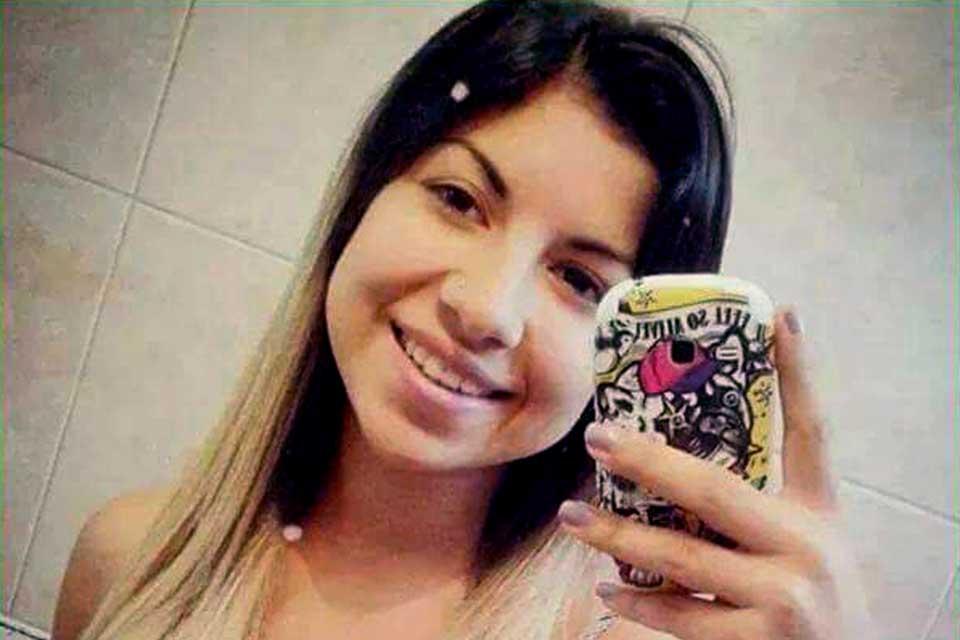 chica argentina busca trabajo