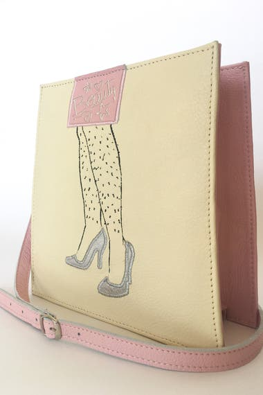 cedbcdd86 Sofía Carrertón Beraldi encontró su pasión en el diseño de carteras; creó  Beguen, una