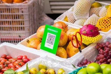 Una verdulería en Shenzhen, China; se paga escaneando un código QR
