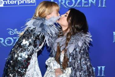Selena Gomez y su hermanita, en el estreno de Frozen II