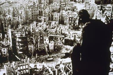 Cayeron sobre la ciudad 1.800 toneladas de explosivos