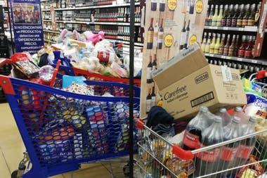 Los supermercados se vieron desbordados de gente en la última semana