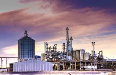 La destilería de Bio4 fabrica un 20% de alcohol 96%