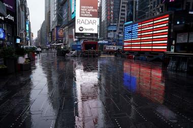 Por la pandemia de coronavirus y las medidas drásticas, las calles de Nueva York quedaron desiertas