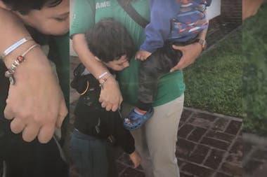 El día que Luján y Pablo fueron a buscar a Benja y a Santino, los pequeños no se querían despegar de ellos
