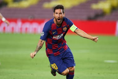 Messi, celebra su ultimo gol en Barcelona