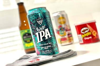 Con Bierful, Redbee pudo personalizar los packs de cervezas e incluir tapabocas con su logo