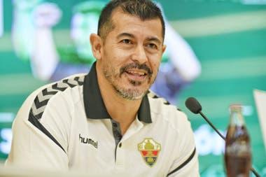 Jorge Almirón llegó a Elche gracias a su representante Christian Bragarnik, que además es el accionista mayoritario del club ilicitano