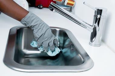En este momento, el servicio doméstico trabaja con algunas restricciones