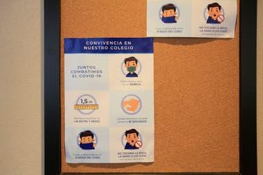 Según los protocolos, es obligatorio el uso de tapabocas, la distancia de dos metros, el control de temperatura al ingreso, la eliminación de bebederos, y ingreso al baño de a una persona