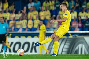 Juan Marcos Foyth anotó un gol en su debut en el Villarreal, que ganó por 5-3 por la Europa League