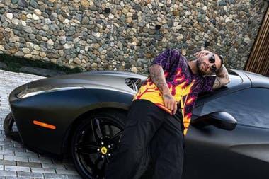 Maluma conducía en el video la flamante Ferrari que se había comprado a finales de 2020