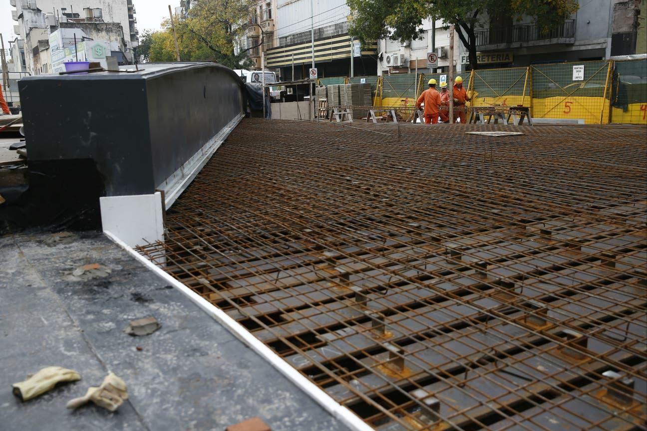 La plaza estará sobre las vías del Sarmiento