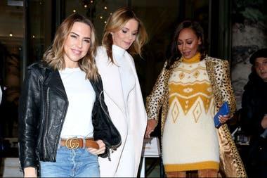 ¡Radiantes! A pocas horas de anunciar su regreso a los escenarios, las Spice Girls comenzaron a hacer prensa, como en la BBC Radio, donde acudieron para promocionar su esperada vuelta