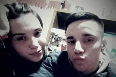Micaela junto a su novio Matias, acusado por sus familiares como el autor del hecho