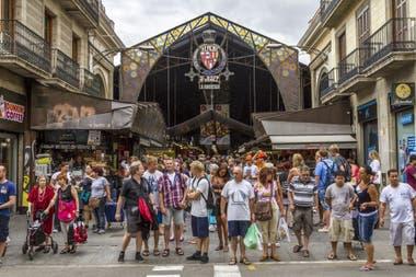 Barcelona, una de las ciudades que más luchaba en los últimos años contra las hordas de turistas
