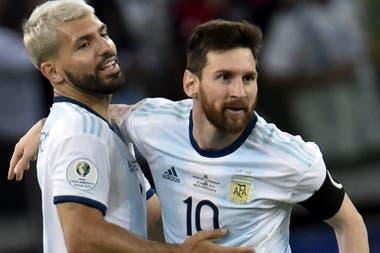 ¿Juntos? Al igual que en la selección, el Kun Agüero y Lionel Messi podrían jugar en el Manchester City