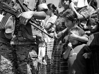 La crisis social durante la guerra civil en Guatemala tuvo como víctimas a miles de niños que fueron empujados a vivir en las calles (La Perspectiva)