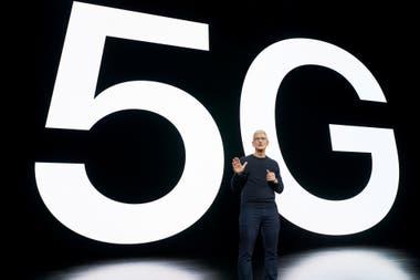Tim Cook, CEO de Apple, durante el lanzamiento de los nuevos teléfonos iPhone 12 con soporte para las redes 5G