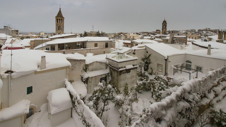 La nieve cubre las techos de Santeramo en Colle, Italia, las fuertes nevadas dejaron varios muertos en Europa. Foto: AFP / Nico Furio