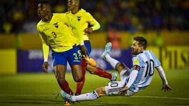 Una postal del último partido de eliminatorias, en el que el talento de Messi clasificó a la Argentina al Mundial de Rusia 2018. El rival era, justamente, Ecuador, el primero en el camino a Qatar 2022.