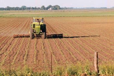 La Mesa de Enlace se reunió ayer y ratificó su rechazo a que se frene la baja de las retenciones a la soja
