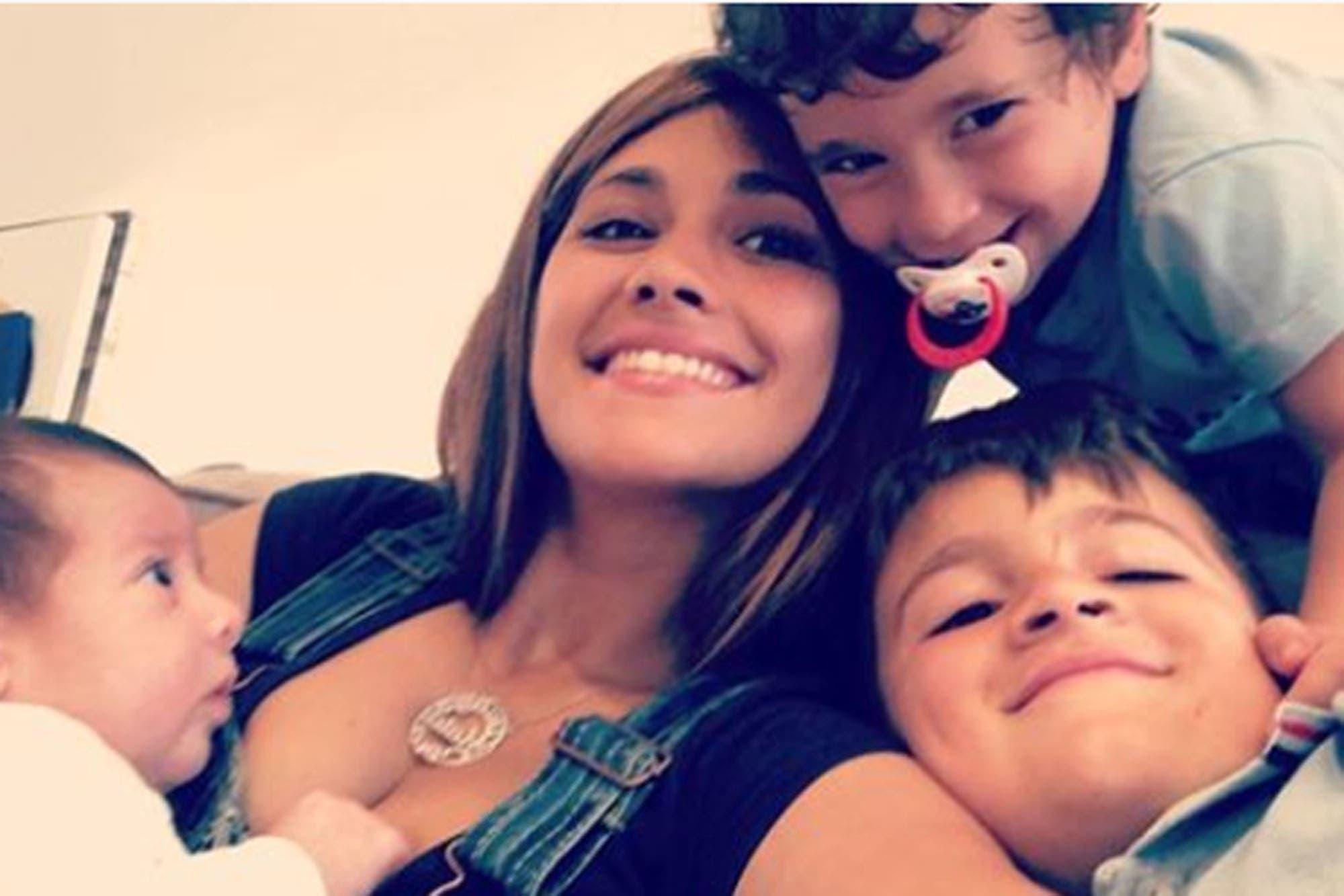 Antonela Roccuzzo llegó a Kazán y verá el partido con Francia junto a sus hijos