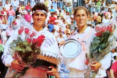 Una postal del tiempo: Sabatini en Gabylandia, tal como se conocía al Abierto de Italia; aquí, vencedora sobre Monica Seles