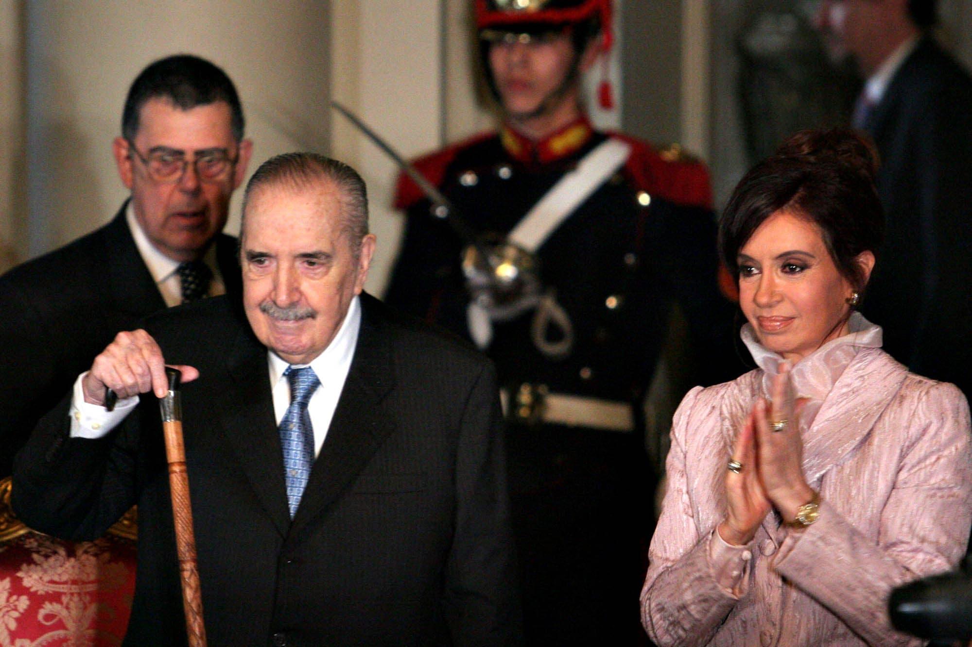 Alfonsín y los Kirchner, una relación con enfrentamientos y reconciliaciones