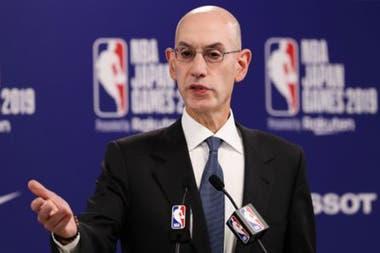 Adam Silver, el comisionado de la NBA,que evalúa otro formato de torneo para reformular la temporada de la NBA