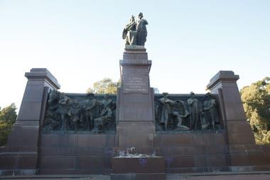 El Monumento a la España Civilizadora y Eterna está emplazado en Costanera Sur