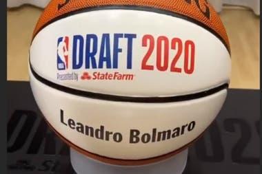 """Leandro Bolmaro: """"Dormí dos horas, pero con la gorra de Minnesota puesta"""""""