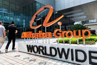 Las acciones de alibaba subieron luego de la aparición de su fundador