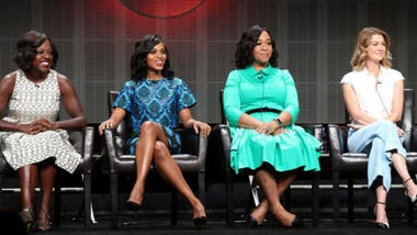 Viola Davis (How to Get Away with Murder), Kerry Washington (Scandal), la guionista y productora Shonda Rhimes y Ellen Pompeo (Grey's Anatomy)