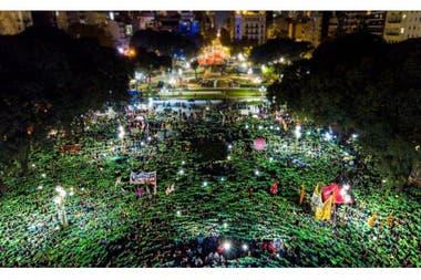 La cuarta marcha Ni Una Menos, la semana pasada, fue copada por el reclamo por el aborto legal, simbolizado por el color verde